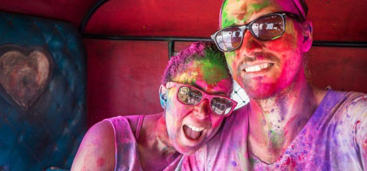 La célébration de la fête des couleurs